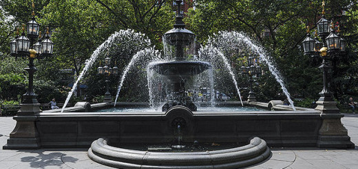 640px-Friends_Water_Fountain_(7823224468)