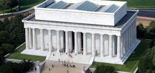 1024px-Aerial_view_of_Lincoln_Memorial_-_east_side_EDIT